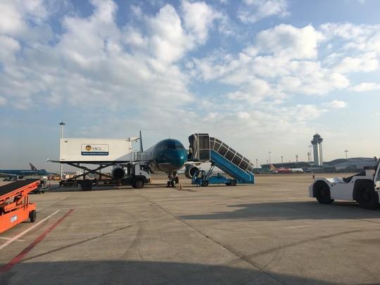 Sân bay Tân Sơn Nhất có thêm 29 chỗ đỗ máy bay từ 19,79 ha đất quân sự - Ảnh 1.