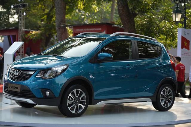 VinFast chính thức công bố giá xe: 1,136 tỷ cho SUV; 800 triệu cho Sedan và 336 triệu cho xe Fadil - Ảnh 1.