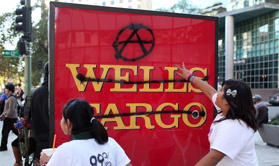 Bị ép doanh số như bã mía, nhân viên Wells Fargo đã tạo hơn 3,5 triệu tài khoản giả mạo, khiến 5.300 người bị sa thải, công ty bị phạt 185 triệu USD - Ảnh 5.