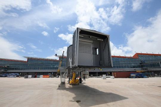 Hoàn thiện nhà ga, tháp không lưu sân bay Vân Đồn 7.700 tỉ đồng - Ảnh 1.