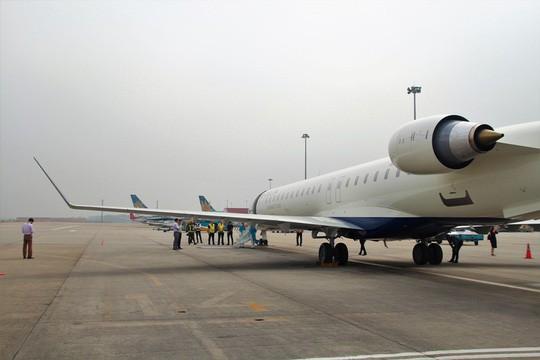 Bay thử nghiệm máy bay CRJ900 Bombardier tại Nội Bài - Ảnh 2.