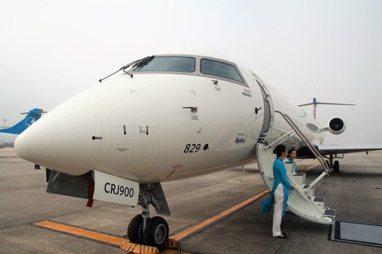 Bay thử nghiệm máy bay CRJ900 Bombardier tại Nội Bài - Ảnh 3.
