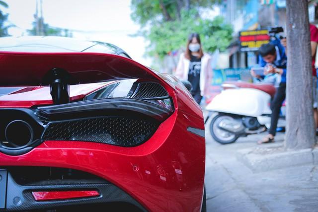 McLaren 720S màu đỏ duy nhất tại Việt Nam ghé chân Đà Nẵng trước khi về tay chủ nhân tại Sài Gòn - Ảnh 8.