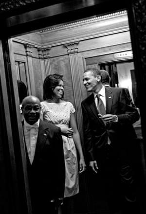 'Tôi muốn tất cả mọi thứ': Trích đoạn cuốn hồi ký có tốc độ tiêu thụ nhanh nhất 2018 của bà Michelle Obama - Ảnh 4.