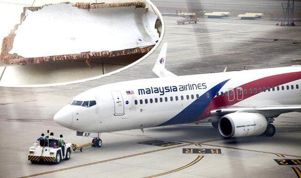 Thân nhân hành khách trên MH370 công bố tìm thấy mảnh vỡ của máy bay - Ảnh 1.