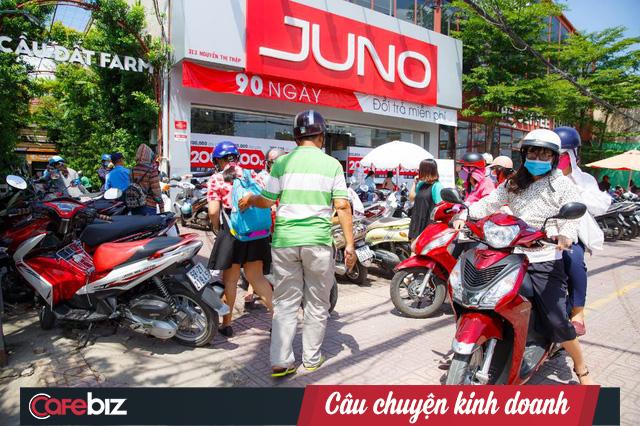 CEO chuỗi cửa hàng giày túi Juno Nguyễn Quốc Tuấn: Bản năng đàn ông sẽ có khuynh hướng yêu chiều và làm hài lòng khách hàng nữ hơn! - Ảnh 2.