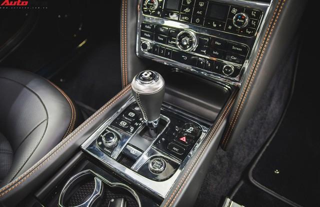 Chạm mặt Bentley Mulsanne bản hiếm, màu độc của đại gia Hà thành - Ảnh 11.