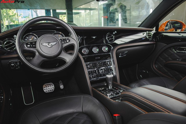 Chạm mặt Bentley Mulsanne bản hiếm, màu độc của đại gia Hà thành - Ảnh 9.