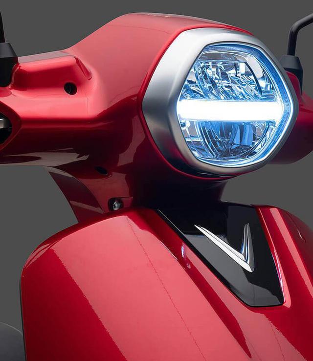 VinFast chính thức ra mắt xe máy điện thông minh, dự kiến mở bán từ 17/11 - Ảnh 4.