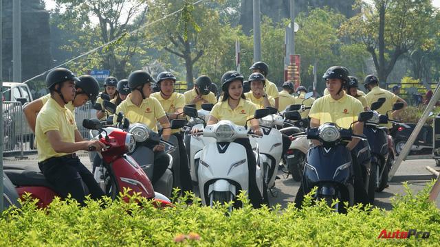 Loạt xe máy điện thông minh VinFast chạy thử tại Hà Nội ngay sau khi ra mắt - Ảnh 4.