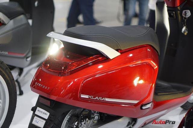 Chi tiết xe máy điện thông minh đầu tiên của VinFast - Ảnh 4.