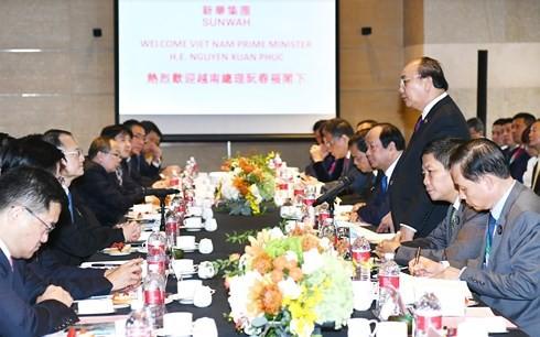 Thủ tướng: Doanh nghiệp Trung Quốc muốn tiêu thụ nông sản Việt Nam  - Ảnh 2.