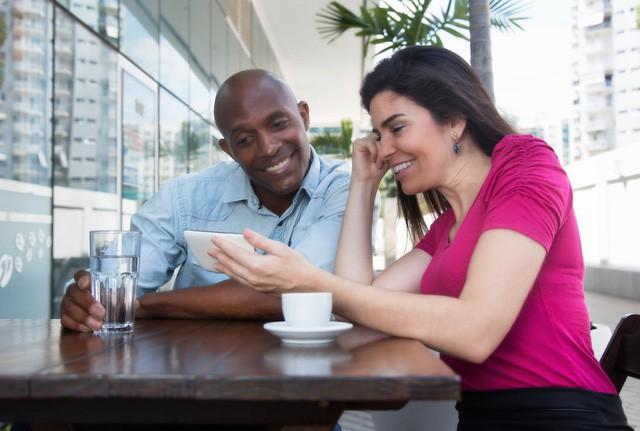 Đi làm ai cũng muốn thành tâm phúc của sếp và đây là 5 cách đơn giản giúp bạn nổi bật giữa các đồng nghiệp và gây ấn tượng với cấp trên - Ảnh 4.