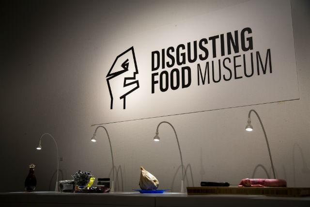 4 món ăn cực quen thuộc của Việt Nam bất ngờ xuất hiện trong bảo tàng những món ăn kinh dị tại châu Âu - Ảnh 1.