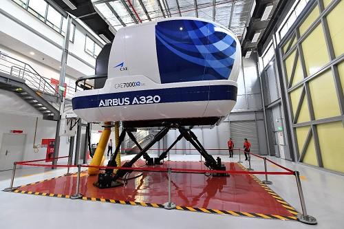Vietjet nhận Tổ hợp buồng lái mô phỏng tàu bay, tiến gần hơn đến làm chủ khoa học kỹ thuật tiên tiến - Ảnh 3.