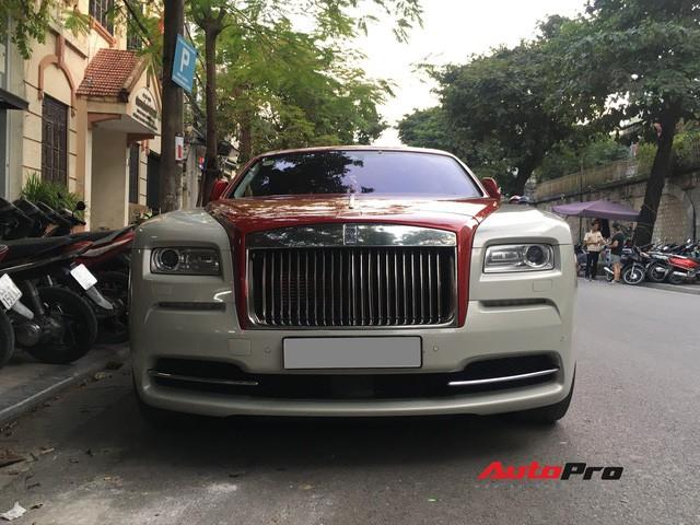 Đại gia Hà Thành phối màu lạ lẫm cho Rolls-Royce Wraith - Ảnh 2.