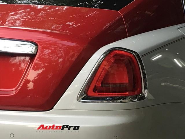 Đại gia Hà Thành phối màu lạ lẫm cho Rolls-Royce Wraith - Ảnh 9.