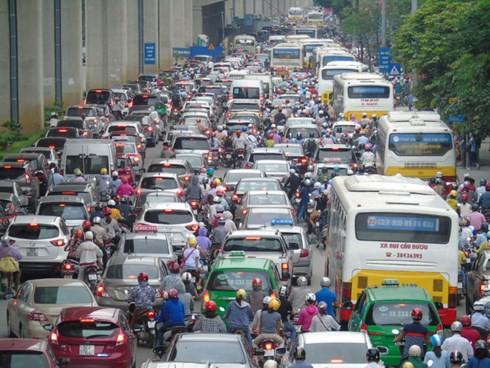 Thu phí xe vào nội đô: Nói nhiều rồi, giờ là lúc Hà Nội thực hiện - Ảnh 1.