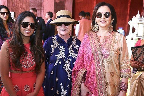 Khoảng cách giàu nghèo nghiệt ngã tại Ấn Độ nhìn từ đám cưới 100 triệu USD, kéo dài hàng tuần của con gái tỷ phú - Ảnh 4.