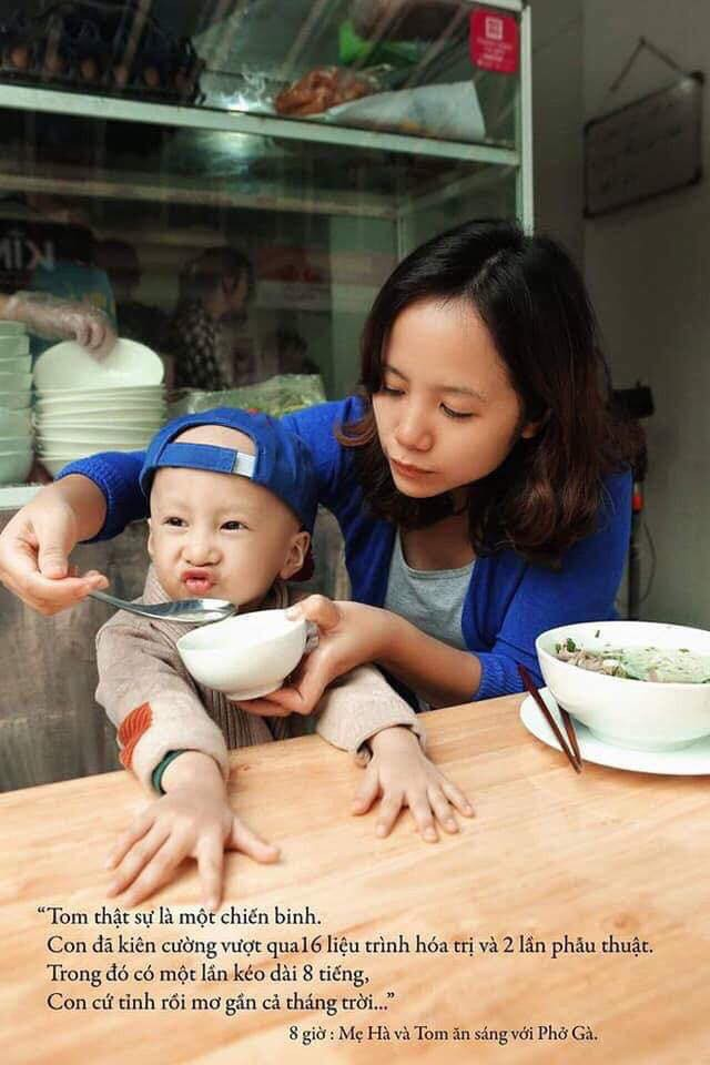 Quang Hải, Đức Chinh bật khóc khi gặp Tôm - cậu bé 4 tuổi bị ung thư não giàu nghị lực - Ảnh 8.