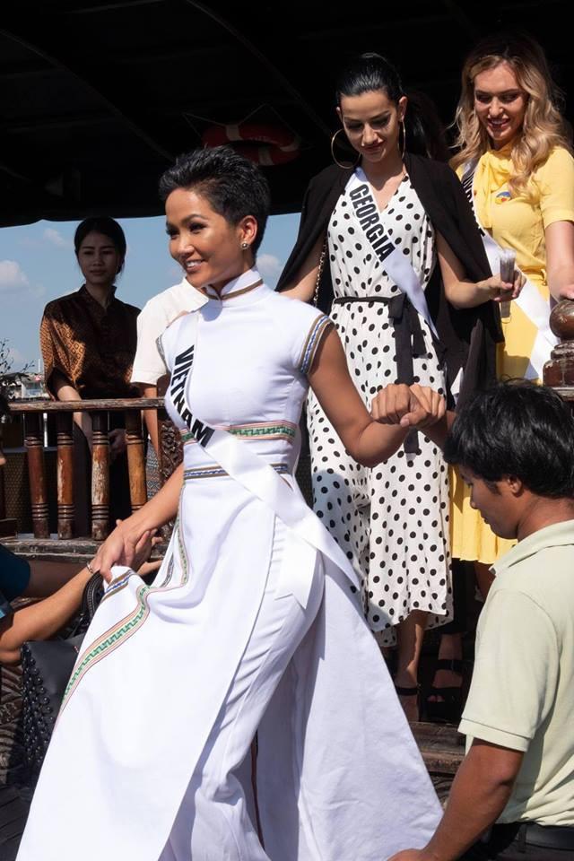 Những hình ảnh đẹp khó quên đưa HHen Niê tới kỳ tích top 5 Miss Universe: Từ bikini tới đầm sequin dạ hội, tất cả đều chinh phục trái tim người hâm mộ!  - Ảnh 9.