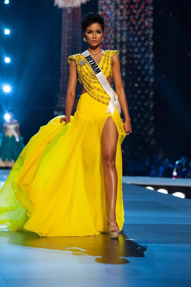 Những hình ảnh đẹp khó quên đưa HHen Niê tới kỳ tích top 5 Miss Universe: Từ bikini tới đầm sequin dạ hội, tất cả đều chinh phục trái tim người hâm mộ!  - Ảnh 14.