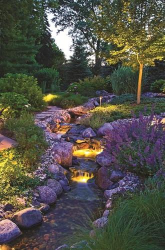 Những khoảng sân vườn đẹp lung linh trong ánh đèn - Ảnh 11.