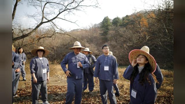 Cuộc sống quá căng thẳng, người trẻ Hàn Quốc sẵn sàng chi 90 USD để được... vào tù ở 1 ngày - Ảnh 20.