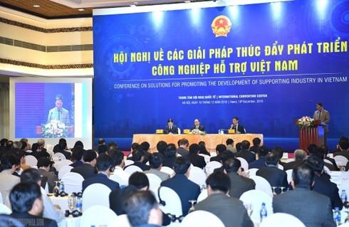 """""""Bánh đà"""" của nền công nghiệp Việt Nam còn yếu - Ảnh 2."""