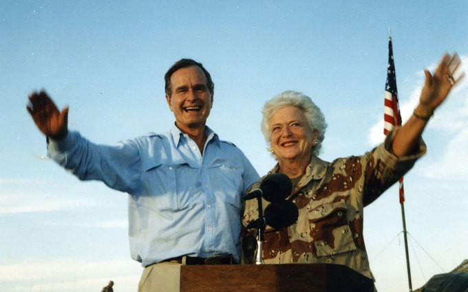 Câu chuyện tình như tiểu thuyết của cựu Tổng thống Mỹ Bush