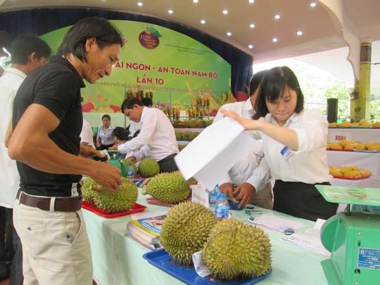 Tin vui: Sầu riêng và khoai lang được xuất khẩu sang Trung Quốc - Ảnh 1.