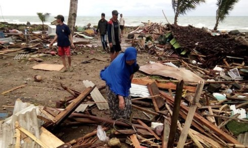 Sóng thần ở Indonesia khiến ít nhất 220 người thiệt mạng - Ảnh 1.