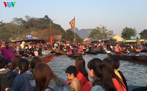 Siêu Dự án tâm linh chùa Hương 15.000 tỷ: Xin đừng BOT cổng chùa - Ảnh 1.