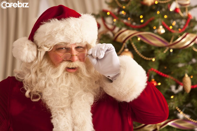 Dù bạn là ai, ở đâu, địa vị sang hèn thế nào, nếu bên cạnh bạn có một đứa trẻ, hãy trở thành ông già Noel của chúng! - Ảnh 1.