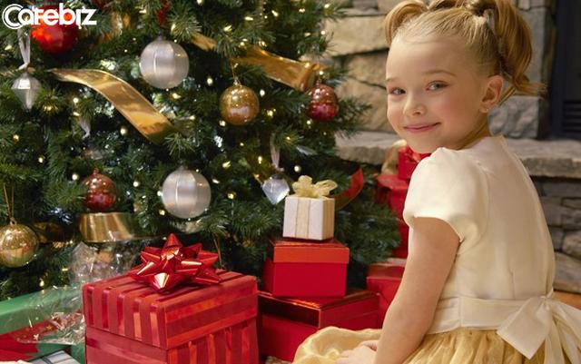 Dù bạn là ai, ở đâu, địa vị sang hèn thế nào, nếu bên cạnh bạn có một đứa trẻ, hãy trở thành ông già Noel của chúng! - Ảnh 2.