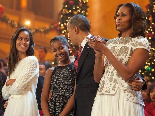 Luôn được mệnh danh là ông bố vĩ đại, Barack Obama chia sẻ bí quyết dạy con cực kỳ thú vị: Người làm cha nhất định phải tham khảo!  - Ảnh 3.