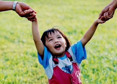 8 năm vàng trong cuộc đời trẻ, nhiều bậc cha mẹ hối hận vì biết quá muộn - Ảnh 1.