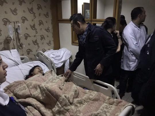 Trưa nay cấp visa cho thân nhân người Việt bị trúng bom khủng bố sang Ai Cập - Ảnh 1.