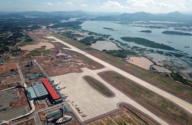 [Hồ sơ] Ngành hàng không 2018: Thị phần Vietjet Air vượt mặt Vietnam Airlines, bầu trời chật chội, hãng tư nhân rậm rịch xin cất cánh - Ảnh 4.