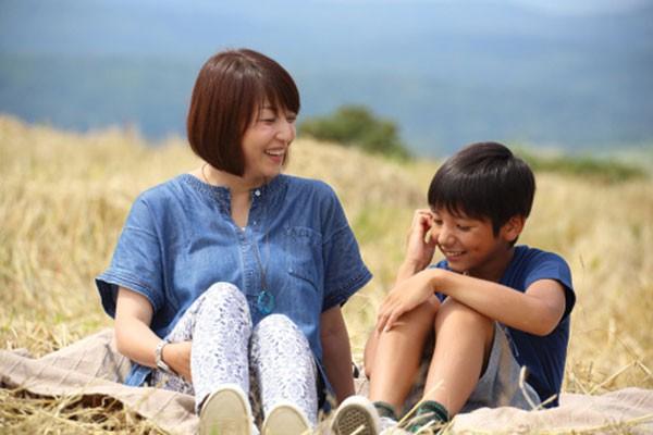 Không muốn một ngày phát điên vì con quá phụ thuộc và chẳng thể tự quyết định bất cứ điều gì, cha mẹ cần dạy trẻ những điều ngày càng sớm càng tốt  - Ảnh 1.