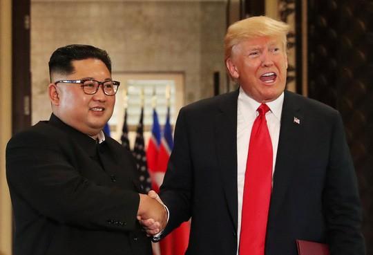 """Ông Kim Jong Un gửi """"mật thư hòa giải"""" đến Tổng thống Mỹ - Ảnh 1."""