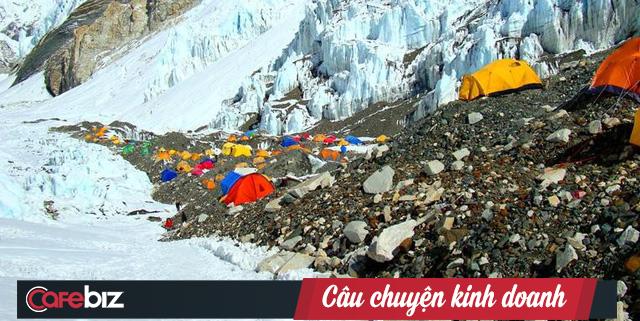 """Chuỗi cung ứng """"chết người"""" chinh phục đỉnh Everest của các Sherpa: 100 người leo thì 4 người bỏ mạng! - Ảnh 5."""
