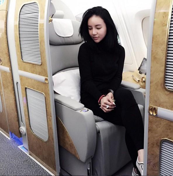 Con gái tỷ phú Singapore: Cuộc sống nhung lụa, bạn thân của Ronaldo và con trai nhà Tân Hoàng Minh - Ảnh 12.
