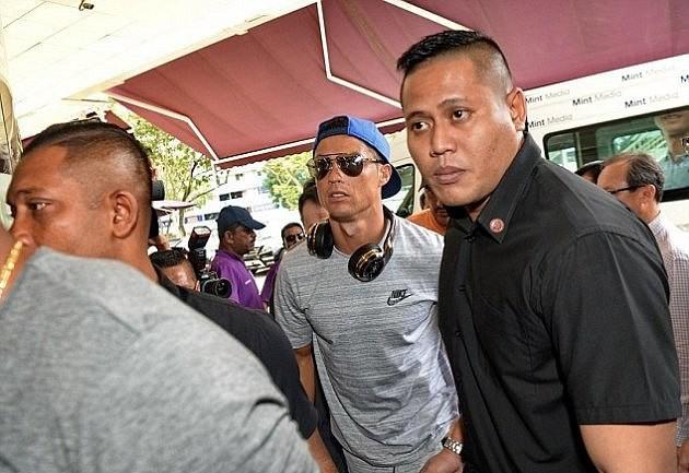 Con gái tỷ phú Singapore: Cuộc sống nhung lụa, bạn thân của Ronaldo và con trai nhà Tân Hoàng Minh - Ảnh 19.