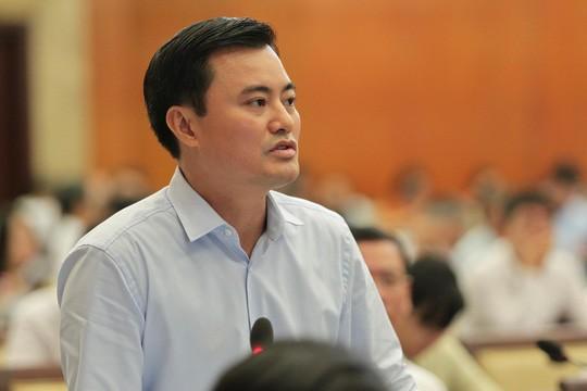 Trả lời thảo luận chung chung, Giám đốc Sở GTVT TP HCM bị chất vấn - Ảnh 2.