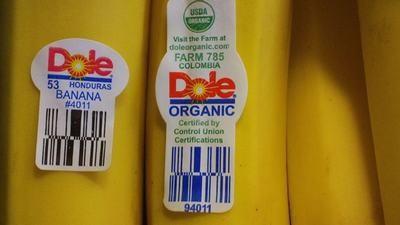 Rất sai lầm khi bỏ qua chữ số dán trên trái cây nhập khẩu - Ảnh 3.