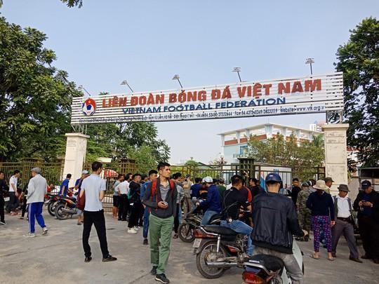 VFF tiếp tục bán vé online trận chung kết Việt Nam - Malaysia, mỗi người được mua 2 vé - Ảnh 1.