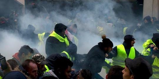 Pháp: Bạo loạn tiếp diễn, số người bị bắt tăng vọt - Ảnh 8.