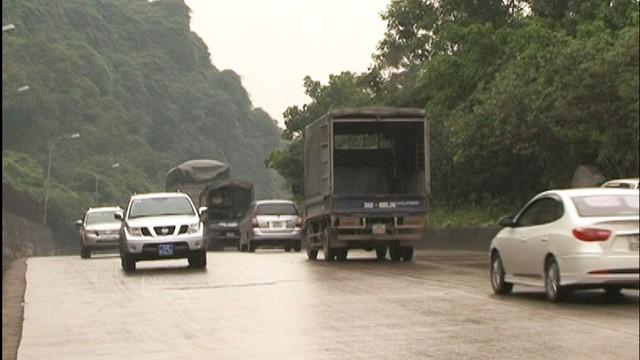 Cận cảnh con một vài con phố kết nối hai thành thị lớn nhất Quảng Ninh sau khi được cải tạo - Ảnh 1.