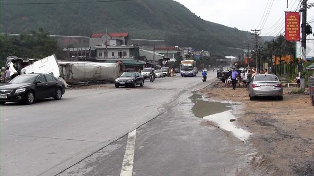 Cận cảnh con một vài con phố kết nối hai thành thị lớn nhất Quảng Ninh sau khi được cải tạo - Ảnh 2.